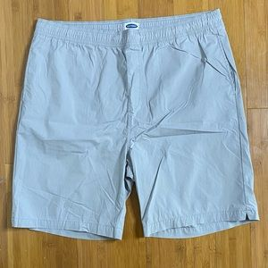 """NWOT Old Navy 8"""" poolside shorts greyscale XL Tall"""